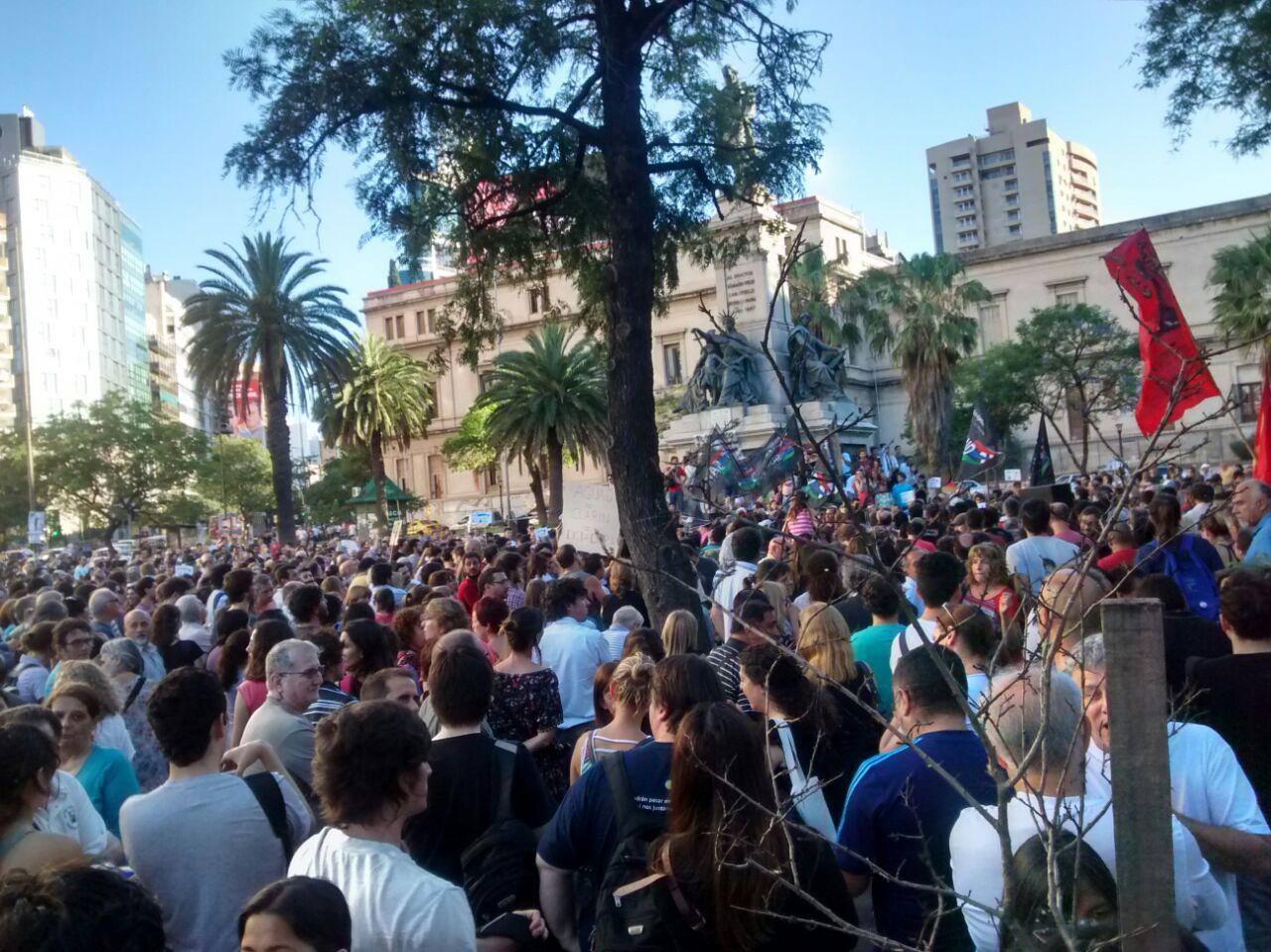 Manifestación en la ex Plaza Velez Sarsfield 14 DICIEMBRE 2015  8